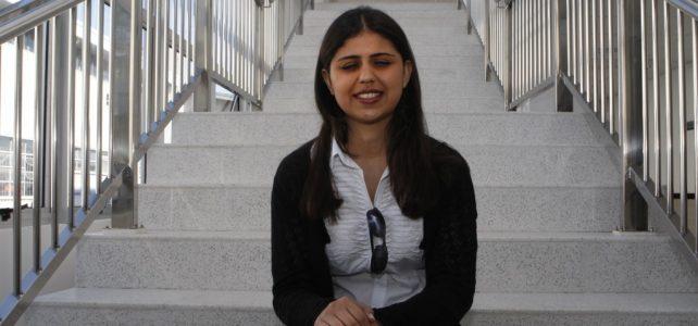 Engenheira do PR é a 1.ª mestre com deficiência visual do país